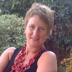 Lucia Steele